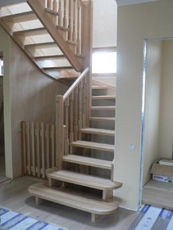 Лестница из массива дуба или ясеня для частного дома K30 - Лестницы
