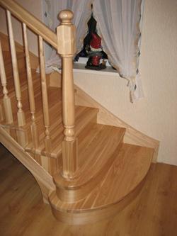 Лестница из ясеня K1 - Лестницы